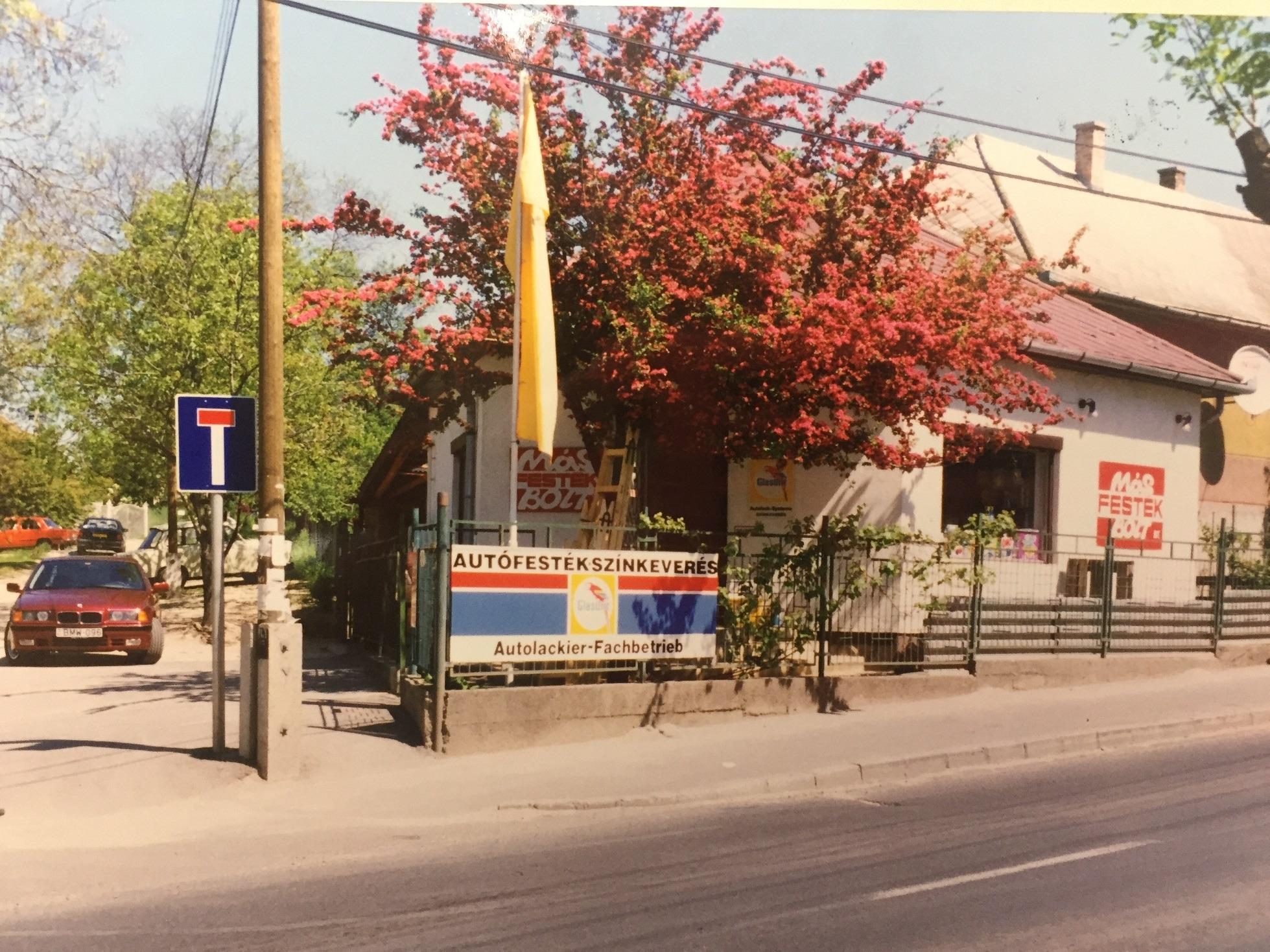 dunakeszi-uzlet-bolt-regen-retro-festekbolt